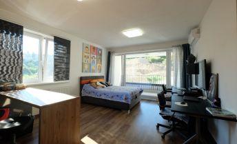 Veľký 1 izbový byt s loggiou v novostavbe na Kolibe