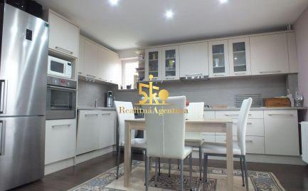 Ponúkame Vám na predaj  rodinný dom v meste  Šurany.