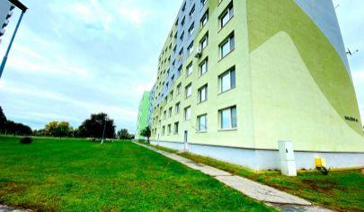 Exkluzívne iba u nás v APEX reality 3i. s balkónom po komplet rekonštrukcii na Hollého ul., 82 m2