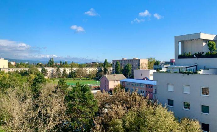 2-izbový byt v Ružinove na Súmračnej ul. s balkónom