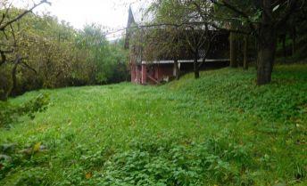 Ponúkame Murovanú chatu v tichom prostredí 900 m2