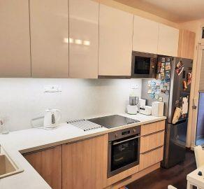 3 izb. byt s loggiou, Petržalka, ul. Bradáčová, kompletná rekonštrukcia