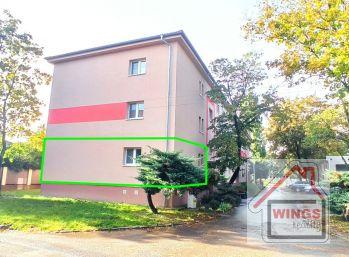Prenájom 3 izbového kompletne zariadeného bytu vo výbornej lokalite v Seredi.