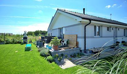 Pred dokončením - 4 izbový rodinný dom (101 m2) pri golfovom ihrisku - Hrubá Borša.