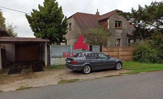 Predáme dom v blízkosti Košíc Veľká Ida s veľkou záhradou a garážou.