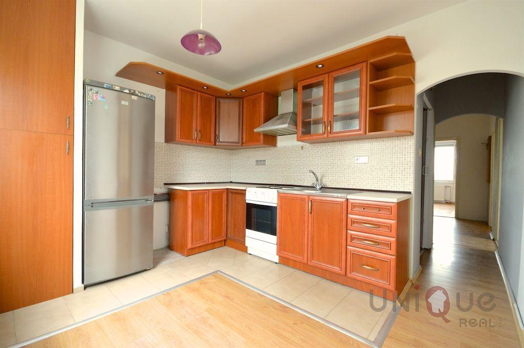 4-izbový byt-Predaj-Číčov-36500.00 €
