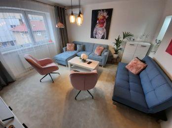Exkluzívne ponúkame na predaj  2 Izbový zariadený byt v centre!