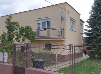 Rodinný dom s perspektívou v lukratívnej časti Galanty