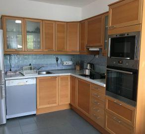 StaBrokers – prenájom 4. izbového RD v Devínskej Novej Vsi s garážou a záhradkou