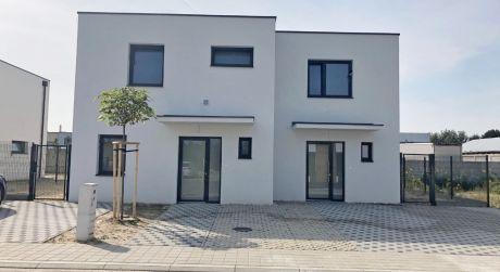 Na predaj 4-izb. rodinného domu s oplotením a parkovacími miestami v štandarde v Malackách