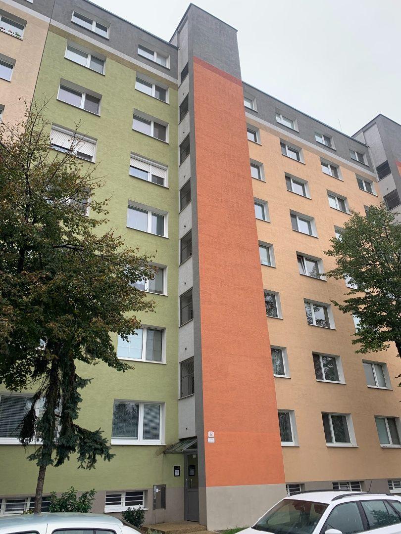 1-izbový byt-Predaj-Bratislava - mestská časť Vrakuňa-95000.00 €