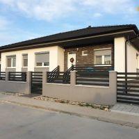 Rodinný dom, Veľký Lapáš, 1 m², Novostavba