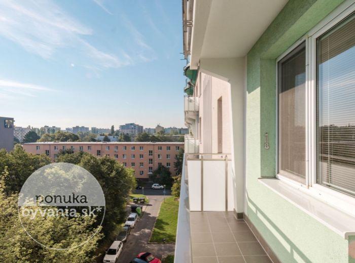 ZÁLUŽÍCKÁ, 1-i byt, 51 m2 - ŠTRKOVEC, TOP lokalita, pokoj a ticho, ZELEŇ, zrekonštuovaný bytový dom