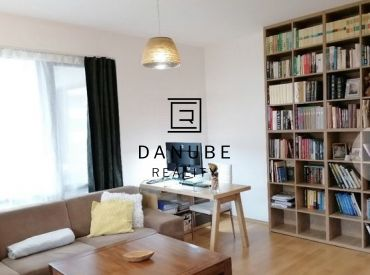 Predaj priestranný 3-izbový byt s terasou, balkónom a parkovaním v Chorvátskom Grobe, časť Čierna voda, Konopná ul.