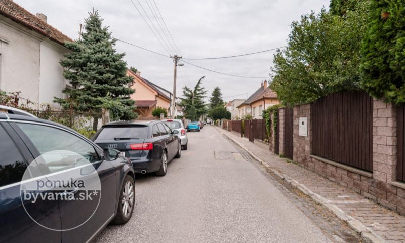ponukabyvania.sk_Liptovská_pre-rodinné-domy_BARTA