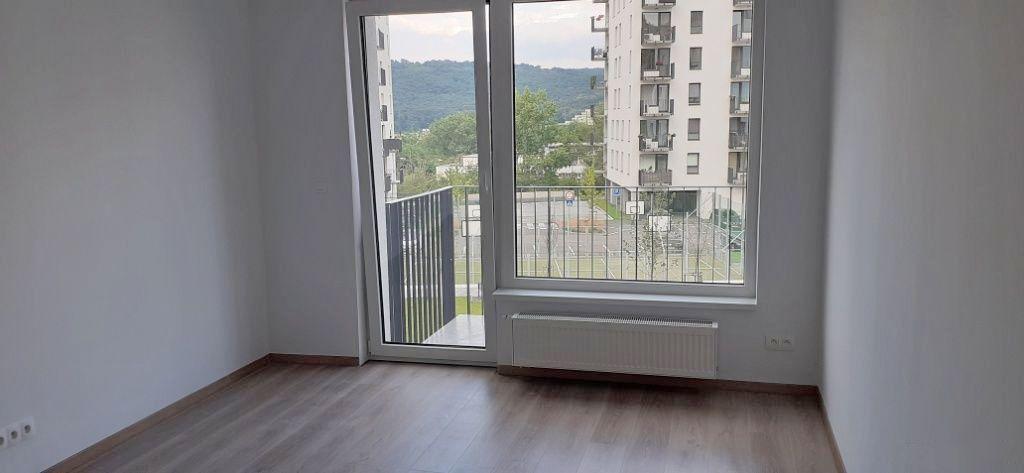 1-izbový byt-Predaj-Bratislava - mestská časť Dúbravka-109900.00 €