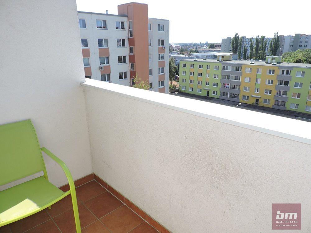 4-izbový byt-Predaj-Bratislava - m. č. Podunajské Biskupice-142000.00 €