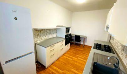 APEX reality_predaj 2i. s loggiou na Bernolákovej ul., 61 m2, tehlový byt. dom, klíma