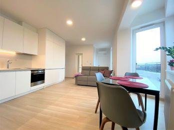 **!TOP NEHNUTEĽNOSŤ!: PRENÁJOM/ Výnimočný 2 izb. byt v blízkosti CENTRA mesta Malacky!!*