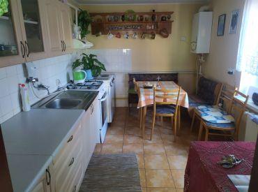 EXKLUZÍVNE na predaj rodinný dom so záhradou, 408 m2, Rajec