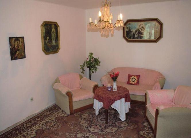 Rodinný dom - Bánovce nad Ondavou - Fotografia 1