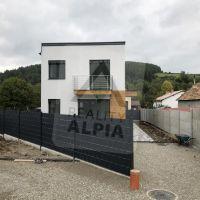 Rodinný dom, Brvnište, 261 m², Novostavba