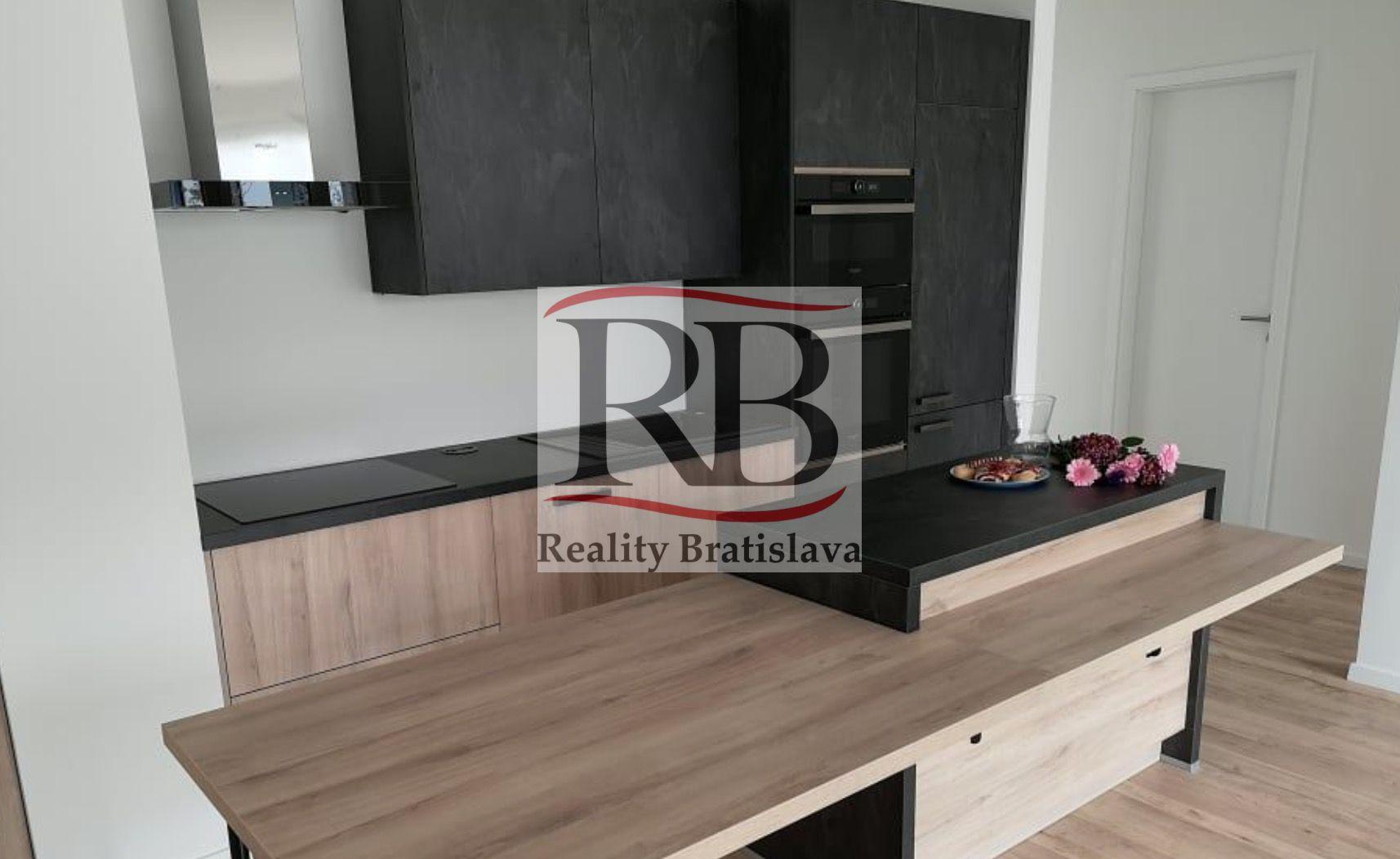 3-izbový byt-Predaj-Bratislava - mestská časť Ružinov-276900.00 €