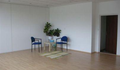 Prenájom kancelária 35m2, ul. Polianky, BA IV., Dúbravka.