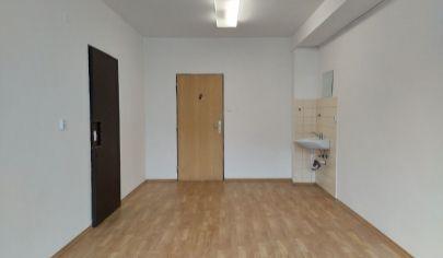 LEN: 140.-€/ mesiac! Ponúkame na prenájom viacúčelové miestnosti 18m2 s umývadlom! + parkovacie miesta, Bulharská ul., BA II., Trnávka.