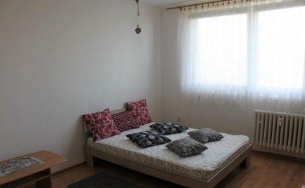 Prenájom 1 izbový, zariadený byt Slatinská Vrakuňa- BA EXPISREAL
