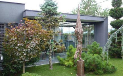 Na predaj štýlový 4i rodinný dom pre náročnejšieho klienta v obci Chorvátsky Grob - časť Čierna Voda.