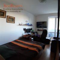 Dvojgarsónka, Bratislava-Vrakuňa, 38 m², Čiastočná rekonštrukcia