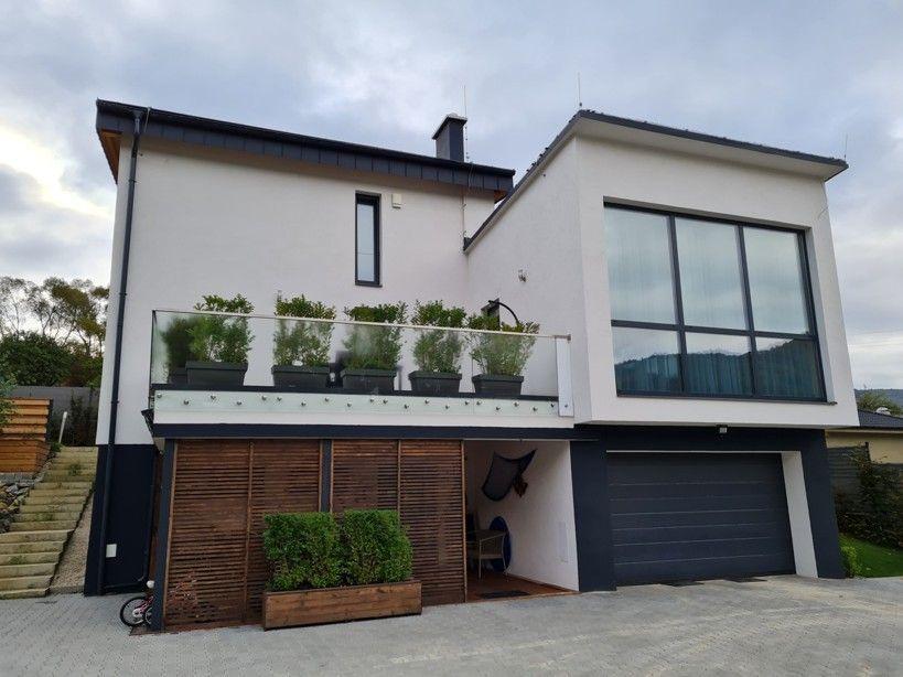 Rodinný dom-Predaj-Pružina-350000.00 €