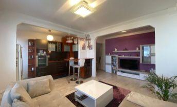 Ponúkame na predaj pekne prerobený 3- izbový byt v Bratislave vyhľadávaná lokalita v blízkosti OD SLIMÁK.