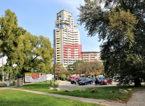 Na prenájom slnečný 2 izbový byt s krásnym výhľadom a parkovaním
