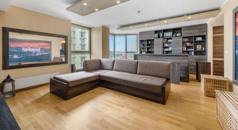 REZERVOVANÉ - Priestranný 2 izbový byt (83 m2) v projekte VIENNA GATE