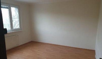 Na predaj 3.izbový byt Petržalka, Bradáčova.