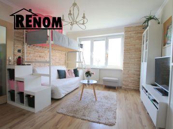 REZERVOVANÝ 2iz byt 57m2 + 10m2 nový balkón