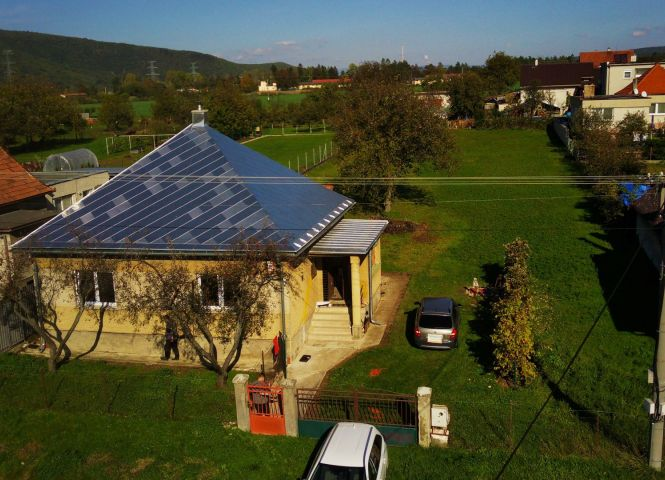 Rodinný dom - Čereňany - Fotografia 1