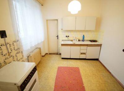 Predám 3 izbový tehlový, veľkometrážny byt (96 m2) v širšom centre Martina