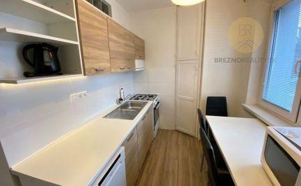 Ihneď obývateľný, zariadený 2i byt - Brezno