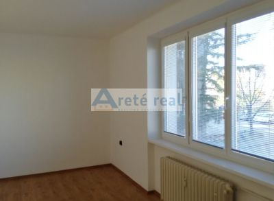 Areté real-prenájom slnečneho 2 bytu v centre mesta Pezinok