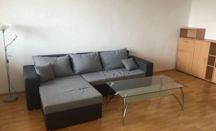 Ponúkame Vám na prenájom 1 izbový byt  s loggiou Bratislava-Rača,  Kafendova.