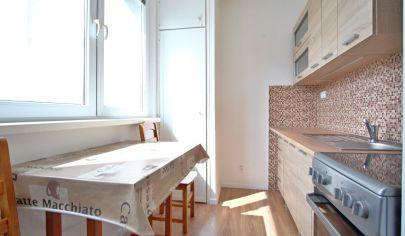 Na predaj 1 izbový byt po novej rekonštrukcii v centre Stupavy.