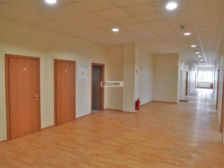 Administratívny objekt-Predaj-Poprad-900000.00 €