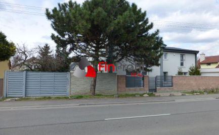 Obchodno-kancelársky priestor v novostavbe RD, vhodný aj pre sídlo firmy v Ružinove.