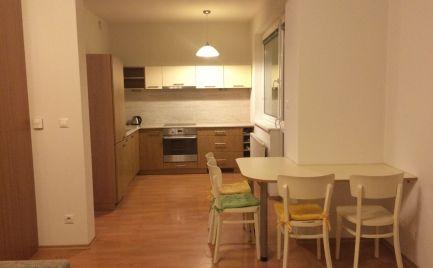 PRENÁJOM  1 izbový byt Bratislava-Ružinov ulica Vietnamská s rozlohou 41 m2 plus lodžia 4,5 m2. Expisreal