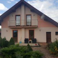 Rodinný dom, Teplička nad Váhom, 859 m², Novostavba