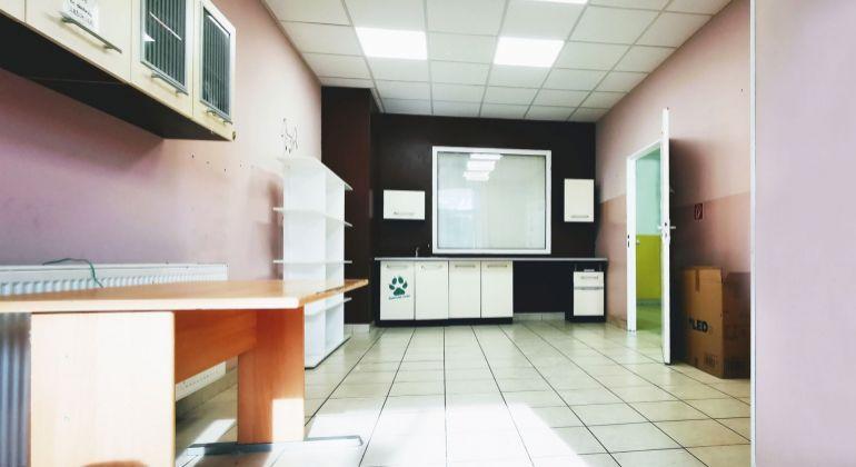 Na prenájom obchodno - kancelársky priestor 80 m2 Ovsištské námestie, Bratislava V, VIDEOOBHLIADKA