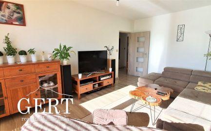 REZERVOVANÉ - Slnečný 2-izbový byt, dva balkóny